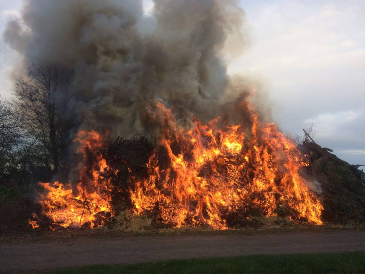 Osterfeuer in Haselhorn_00